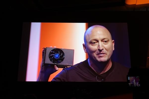 15.7厘米!AMD发布迷你神卡RX Vega 56 Nano:449美刀