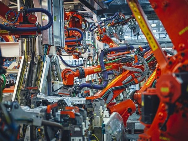 彭博社走进特斯拉工厂:全力生产Model 3