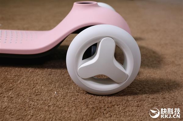 249元!米兔儿童滑板车开箱图赏:大踏板+闪光轮