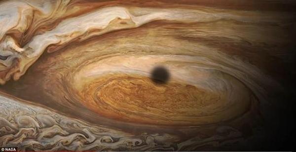 NASA展示木星大红斑区域:20年之内将消失