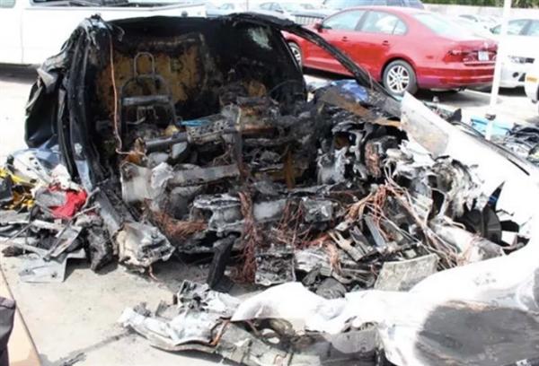 美国公布特斯拉Model S 5月车祸报告:事后出现两起自燃