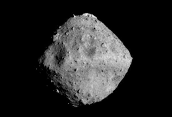 """日本探测器到达小行星""""龙宫"""" 即将开始爆破任务"""