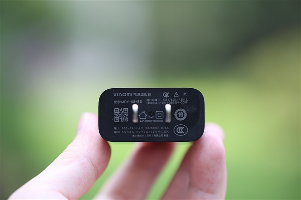 小米8透明探索版开箱图赏:细节如此精致