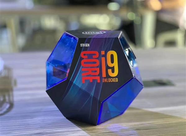 小�9.���jyi-9`�_intel i9-9900k评测样品前瞻:特制五边形小盒子