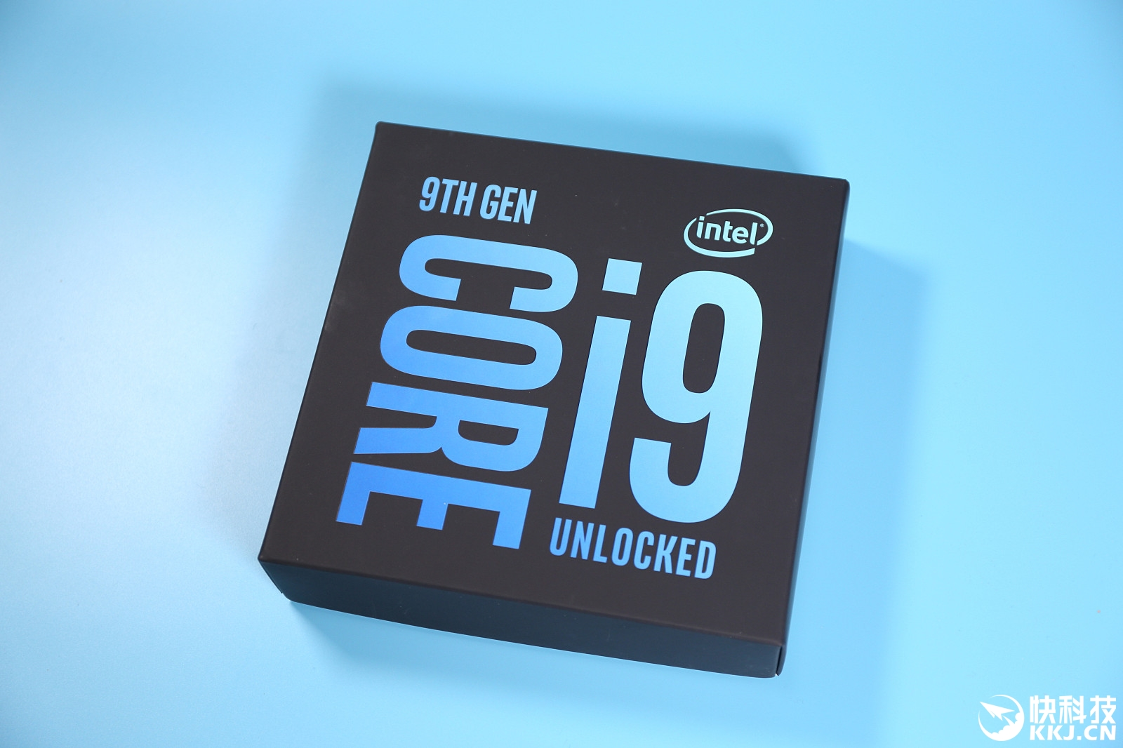 艺术囹�a�i-9`�_intel core i9-9900k图赏