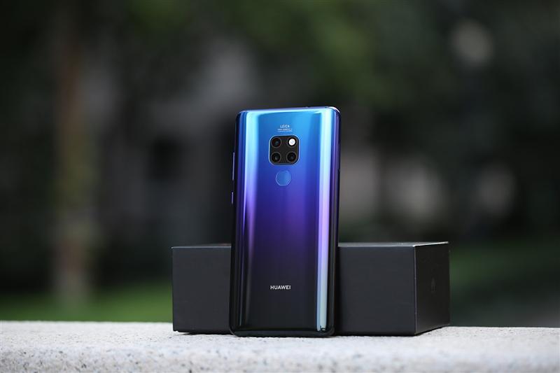全球首颗7纳米手机芯片麒麟980加持 华为Mat