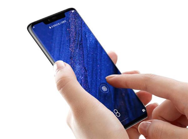 华为Mate 20系列手机扔出一把王炸 黑科技多了就是这么任性