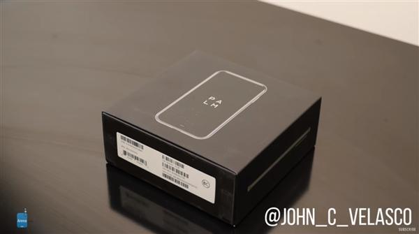 3.3英寸小屏手机Palm开箱上手评测 价格约2420元