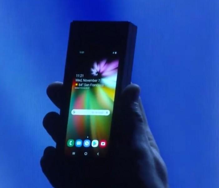 谷歌更新Android系统:支持折叠屏