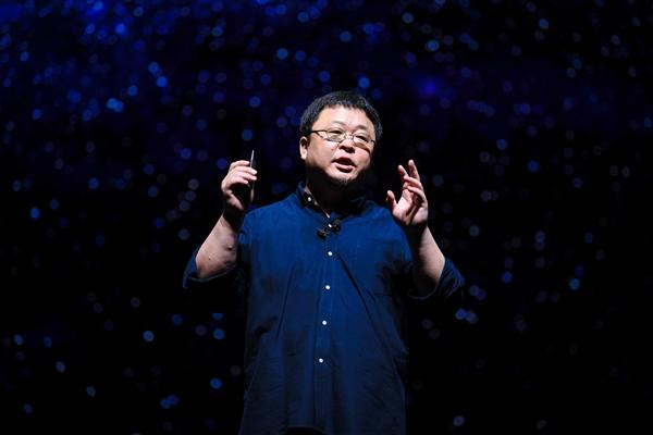 锤子科技陷入危机:罗永浩太过理想主义?