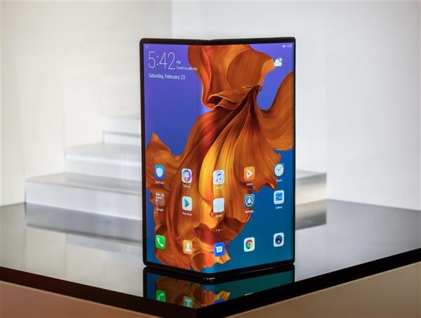 华为5G折叠屏手机Mate X惊艳发布!极致科技还看