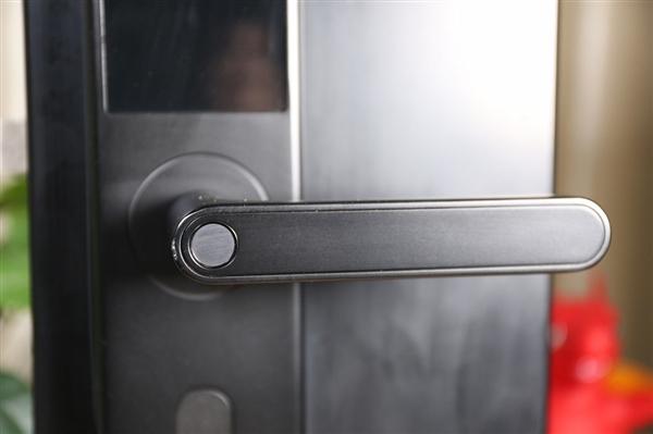 中消协:一半智能锁存在指纹识别安全风险