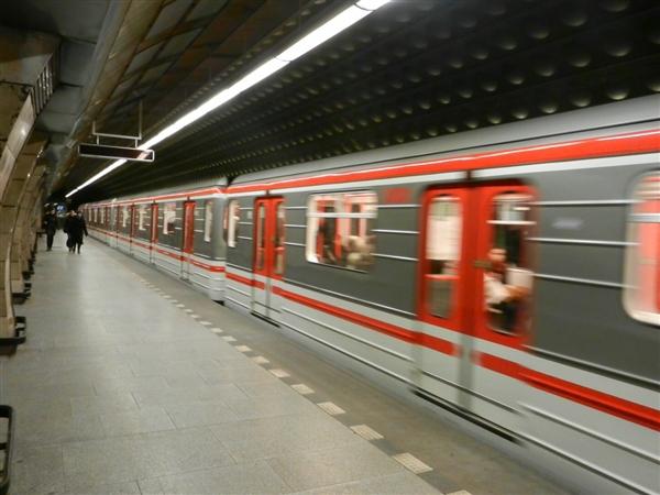 北京地铁实行新规:五类不高雅走为将纳入私人名誉