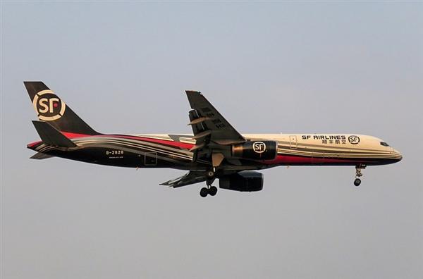 顺丰首架B747开启国际航线 运送国产手机配件