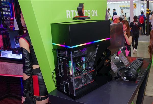 搭载一体式封闭水冷散炎编制!败家之眼游玩显卡迎来最强新成。员