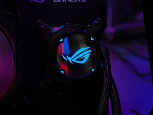 华硕发布崭新ROG STRIX LC水冷风扇:高性价比