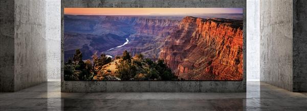 三星The Wall Luxury 巨幕电视只让你家的墙壁不再单调
