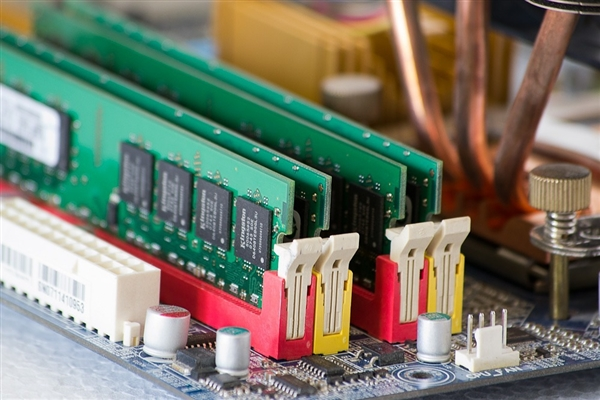 内存最坏情况已过 份额0.7%的内存厂开发20nm DRAM
