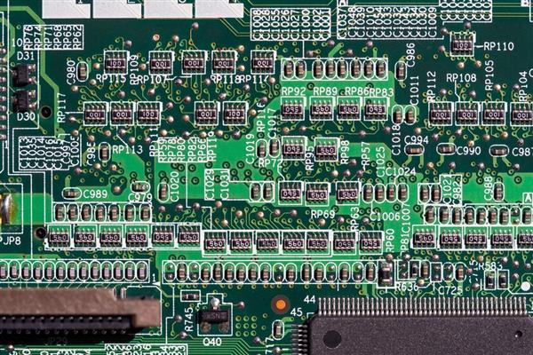 Zen之父帮Intel重定义摩尔定律:10nm工艺实现50倍晶体管密度