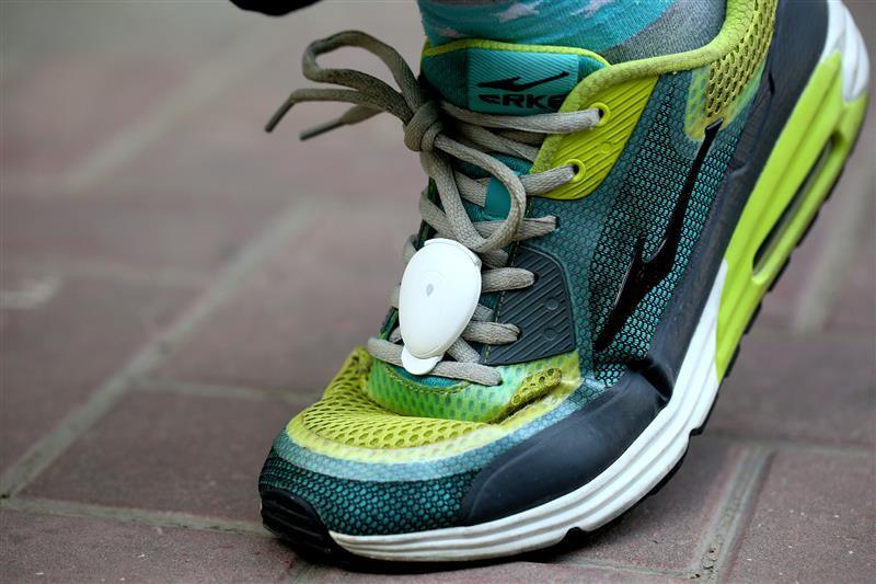 让普通跑鞋秒变智能战靴 咕咚跑步精灵评测体验