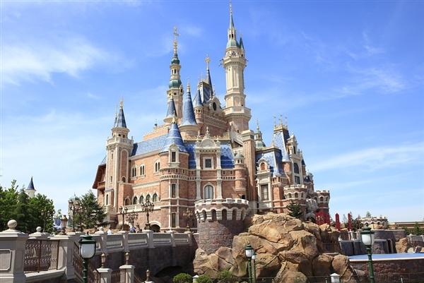 迪士尼全球票房76.7亿美元创新高:今年有望突破100亿美元