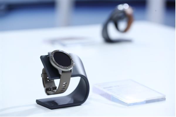 苹果Apple Watch同款 Amazfit运脱手外3精英版曝光