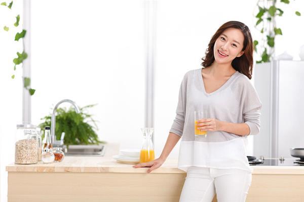 行家称健康的水果榨成汁不健康 这是什么操作?