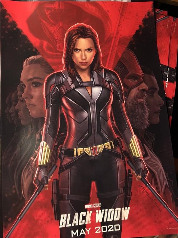 《黑寡妇》电影海报公布:寡姐亲自上阵