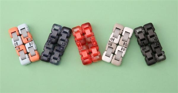 小米多彩指尖积木正式开卖:9.9元盲盒包装