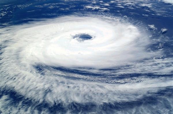 50年最强台风登陆日本 东京网友被吓坏:以为地震了