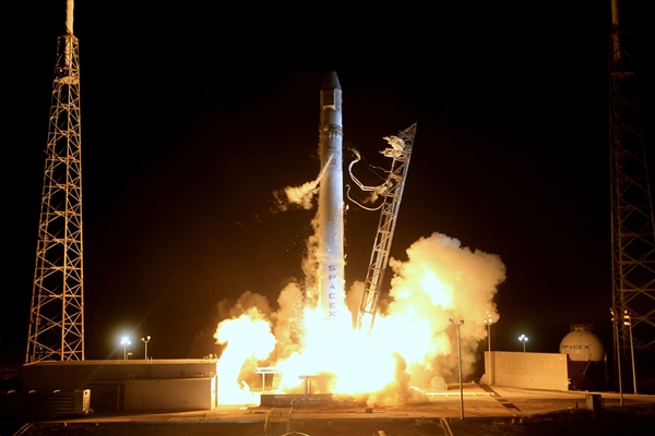 十年来首次遭遇重大意外 日本H2B火箭发射前遇起火