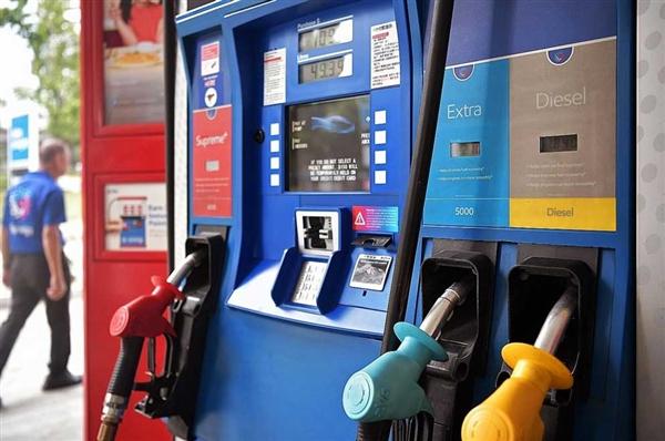 """国内成品油调价窗口今日开启 受国际环境影响 或为9月""""二连涨"""""""