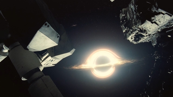 NASA绘制迄今最精确黑洞图像:扭曲之美