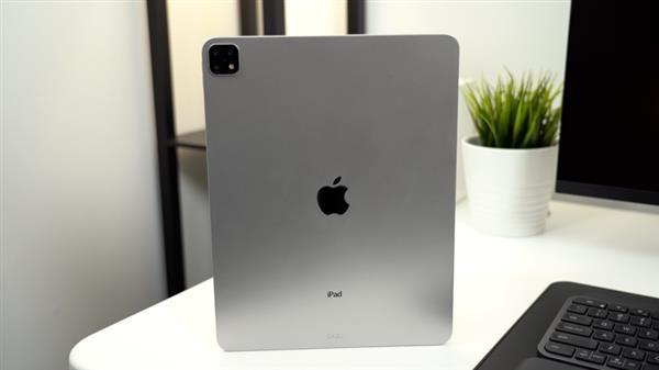 三个摄像头 外媒展示2019年新款iPad  Pro的机模