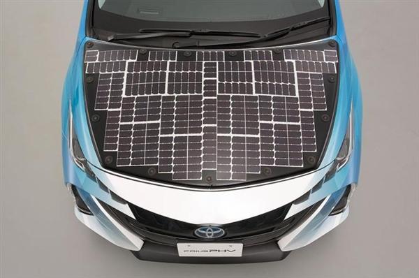 晒一天跑56公里!丰田普锐斯太阳能测试车发布:充电效率高达34第1页) -