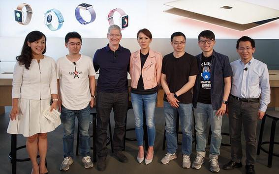乔布斯去世8年 Tim Cook是一个合格的苹果CEO吗?