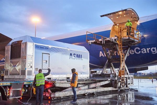 ASML公司Q3季度营收27.9亿欧元 EUV光刻机订单23台