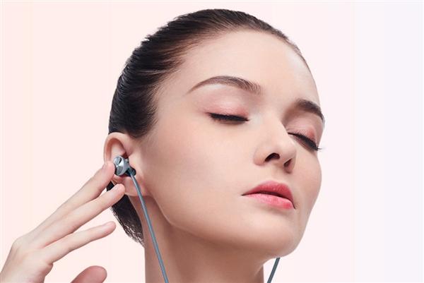 荣耀推出xSport Pro运动蓝牙耳机:全天候舒适佩戴 支持反向充电