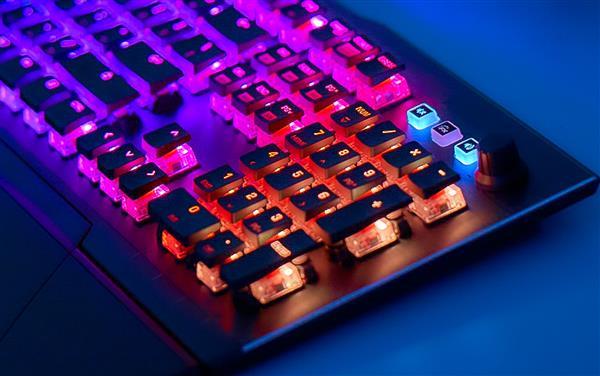 首款泰坦红轴机械键盘!德国冰豹VULCAN 121评测:另类手感与最炫灯效