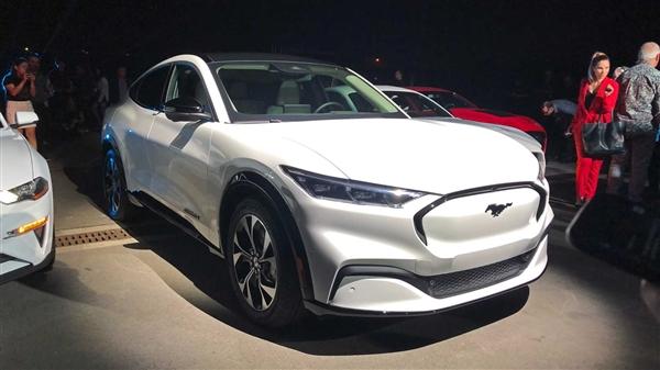 福特正式发布了旗下首款纯电动SUV