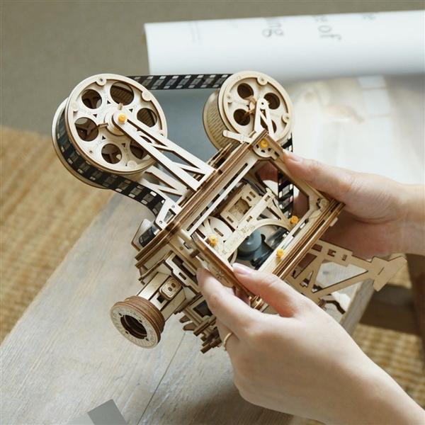 小米有品开卖复古放映机:DIY拼装 可真实放映