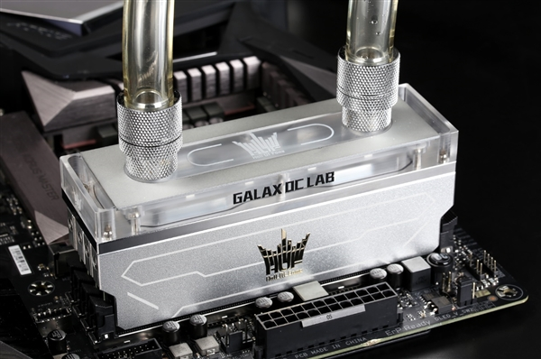 全球限量 影驰HOF OC Lab水冷内存开售