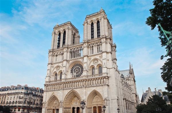 200多年来初度!巴黎圣母院因修停工程:往年不庆祝圣诞节