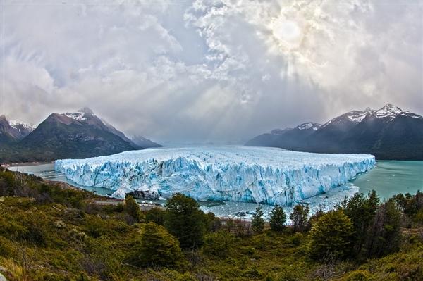 全球变暖!喜马拉雅山脉湖泊面临洪水泛滥的惊险