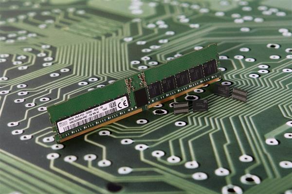美光出样DDR5内存:1Znm工艺、性能挑升85%