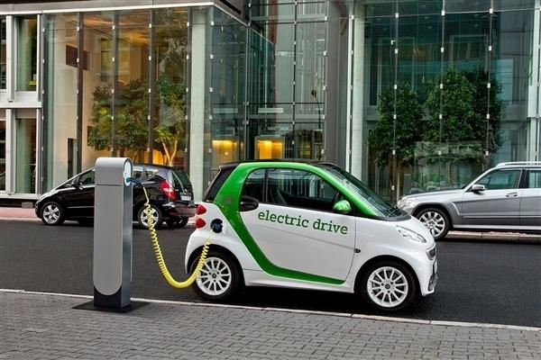 C-AHI中国汽车健康指数:电动车和燃油车电磁辐射测试总体良益