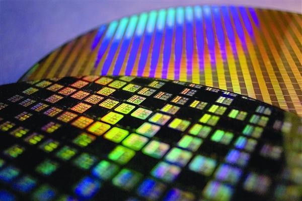 華為手機提高自研芯片使用率 高通芯片占比從24%降至8.6%