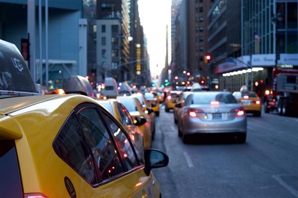 """因""""出租车感谢费""""被约谈 美团打车回答:已第暂时间下线"""