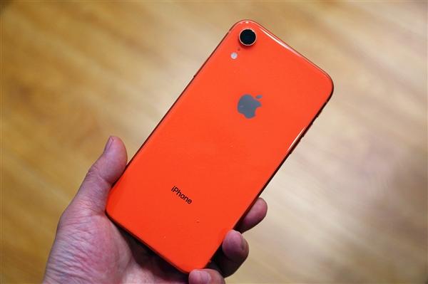 iPhone 9 Plus曝光:6.1寸LCD屏、侧指纹与电源键相符一