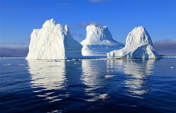 """南极""""末日冰川""""显现变态表象:水温高2度 或添速海平面上升"""